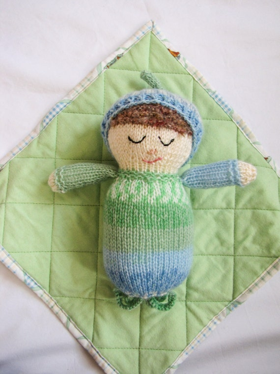 Knitting Patterns For Dolls Bedding : Knit Baby Doll with Mini-Quilt