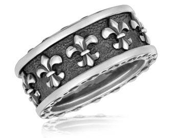 Sterling Silver Men's Ring with Fleur De Lis Motifs