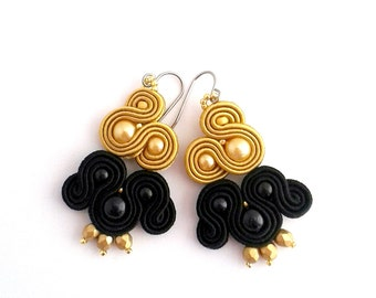 Golden earrings, black gold earrings, black earrings, chandler earrings, soutache earrings, embroidered earrings, pearls earrings
