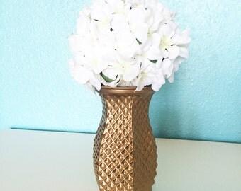 Vase, Gold