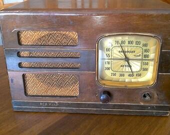 Vintage RCA Victor Radio Model 85T ** Free Shipping