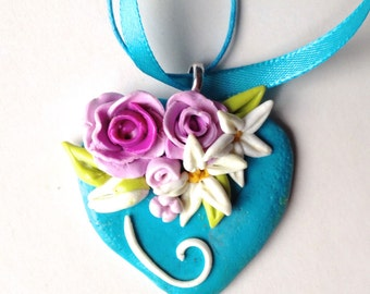 heart in pendant, 3D flowers, floral jewelry