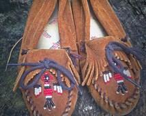 70's Minnetonka Moccasins Size 8 Beaded Native American Soft Soles
