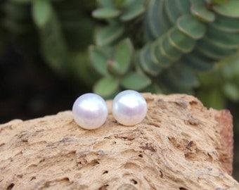 Pearl Earrings, Ivory Pearl Studs, Bridal Earrings, Bridesmaid Gift, Ivory Pearl Earrings, Freshwater Pearl Earrings, Wedding Jewelry, 8mm