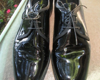 Vintage Pronto Uomo Firenze black patent leather men's formal shoes Size 13 M Shoe bag included Like new