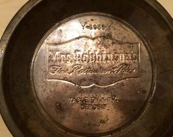 "Vintage Mrs. Robbinson's Table Talk Tin Pie Plate 9-1/2"" Country Kitchen Decor"