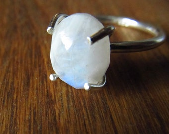 Moonstone Ring - Sterling Silver Ring - Faceted Gem - Gemstone Ring Size 7 - Moonstone Jewelry - June Birthstone Jewellery - Natural Crystal