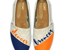 Custom Hand Painted TOMS Shoes- Choose your team colors - Painted TOMS Shoes- Football