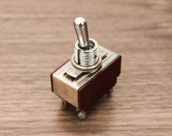 Antique / Vintage ON OFF Toggle Switch