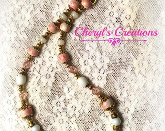 Simple & Elegant necklace of pink glass beads