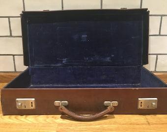 Lovely vintage leather case