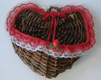 Rustic Wicker Wall Basket, Decorative Wall Basket, Heart Shaped Wall Basket, Wall Basket for Dried Flowers, Country Style Home Decor