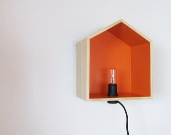 Pretty lamp wooden hut form customized to your colors