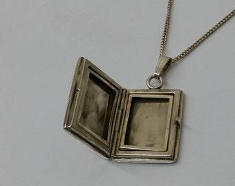 Nostalgic 925 Silver Medallion book SK695