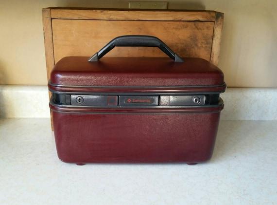 vintage samsonite travel case vintage samsonite makeup case. Black Bedroom Furniture Sets. Home Design Ideas