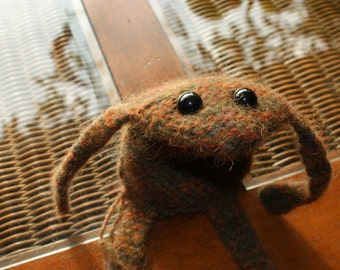 Bob the felted frog