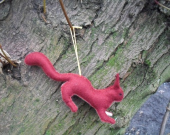 Hanging hauntie leaping squirrel: downloadable pdf pattern