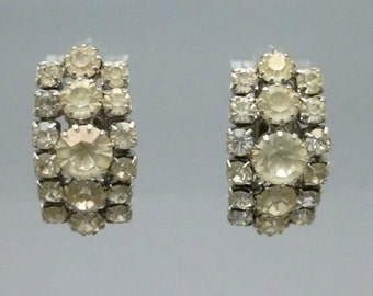1950s Rhinestone Cluster Clip On Earrings Vintage Silver Tone Costume Jewelry Round and Square Shape Stones