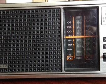 1970s General Electric AM/FM Tabletop Radio
