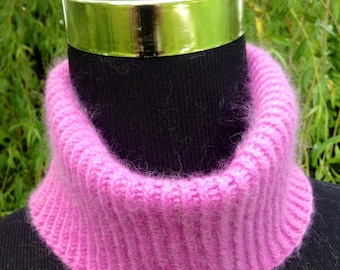 Ladies spring pure cashmere mini snood / collar in cerise pink by Willow Luxury