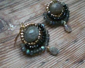 Labradorite earrings // chandelier earrings with labradorite and black spinel