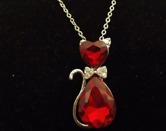 Crystal Cat Pendant Necklace [Red]