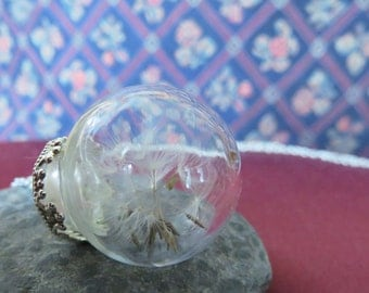 Glass bulb with dandelion seed romantic necklace