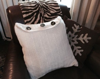 White knit pillow cover