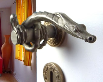 Dragon door handle 010