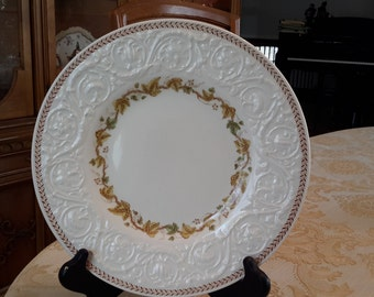 Vintage China Patrician Golden Ivy Pattern Dinner Plate Laurel Rim
