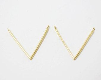 P0256/Anti-Tarnished Matte Gold Plating Over Brass/V shape Cylinder bar Pendant/24x20mm/2pcs