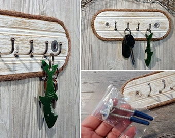 Wall Key Hook Holder - Weathered Wood Entryway Organizer - Jewelry Belt Hanger Rack - Rustic Nautical Beach Cottage - Galvanized - Jute Rope