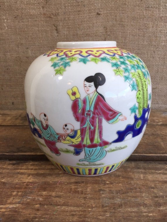 ORIENTAL GINGER JAR - Chinese Famille Rose Number 6 / Vintage 19th Century Cermaic Oriental Chinese Ginger Jar Collectible