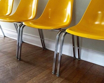 Set of 4 Lemon Yellow Krueger Metal Products Fiberglass chairs