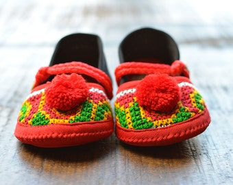 Handcrafted baby shoes , baby boho slippers , baby booties , crib shoes , baby boho shoes