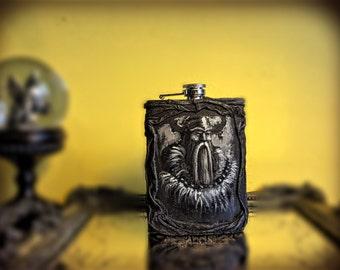 Personalized Whiskey Flask~Viking Flask~Gift for men~Valentines gift~Gift for Boss~Boyfriend gift~Anniversary gift~Bar Decor~Gift for Him