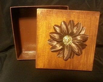 A Decorative Autumn Leaf Gift Box
