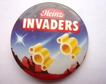 VINTAGE Heinz Invaders badge