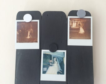 Reclaimed wood magnetic photo frame. Rustic design.