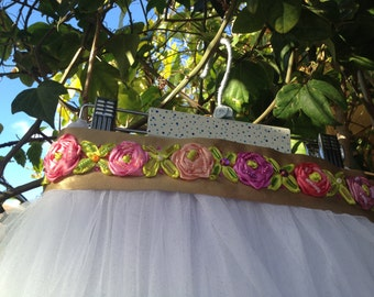 BELT with roses for girls and girls
