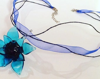 Italian glass flower lace necklace