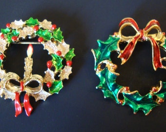 Vintage Set of 2 Different Christmas Wreath  Brooches.