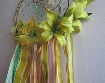 Large sunny yellow dreamcatcher