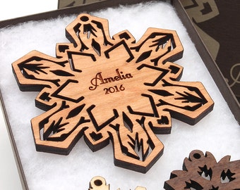2016 Custom Engraved Snowflake Ornament - Customized Christmas Gift Custom Holiday Christmas Ornament - Add Name and Year
