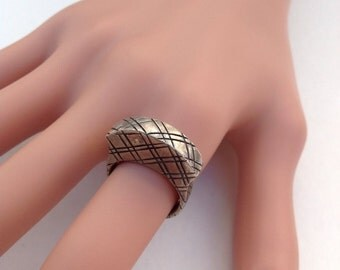 Vintage 925 Silver Solid Crown Solitaire Ring Criss Cross Pattern 7.5g Size 6.5
