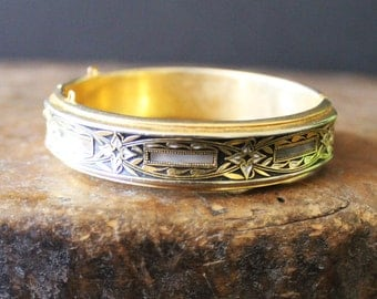 Mother of perl inlaid bangle - vintage - boho – bohemian - bangle. French Flea market find.