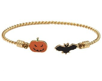 Pumpkin and bat Halloween wire bracelet