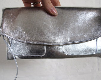 The Clutch Purse - Silver leather