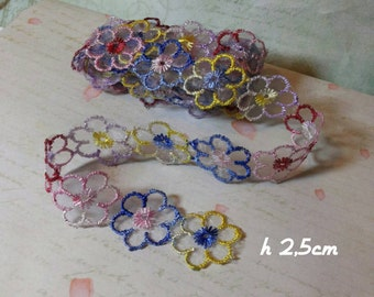 Ribbon flowers for decorations