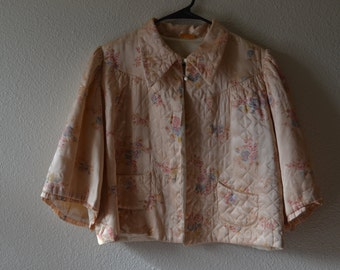 Beautiful 1930s/40s  vintage quilted silk bed jacket - floral bed jacket - silk bed jacket - baby pink bed jacket - vintage sweater